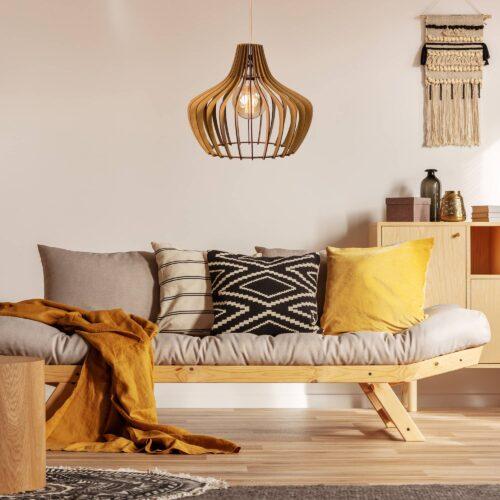 Lustra pentru dormitor din lemn