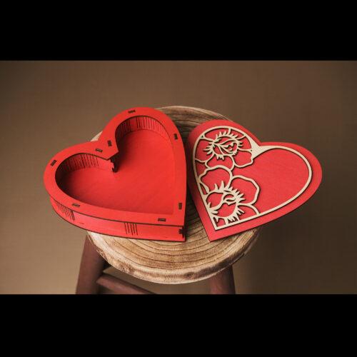 Cutie din lemn in forma de inima