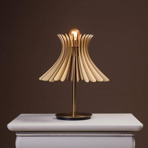 Lampa de birou sau noptiera de culoare crem